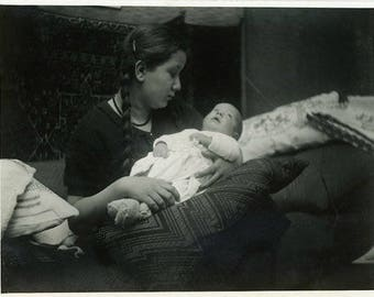 "Vintage Photo ""Big Sister Love"" Snapshot Antique Black & White Photograph Paper Found Ephemera Vernacular Interior Design Mood - 146"