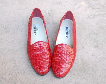 Vintage Womens 9n Trotters Liz Red Leather Slip On Loafers Penny Loafers Sneakers Woven Shoes Braided Huaraches Oxfords Flats Boho