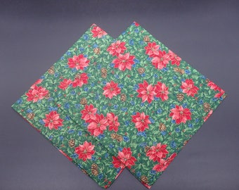 Poinsettias on Holly, Floral Christmas Dinner Napkins, Burgundy Holiday Napkins, Floral Napkins, Hostess Gifts, Newlywed Gifts, Set of 2