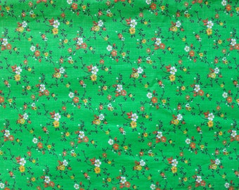 1960's Flower Field Fabric on Green in Thick Stiff Woven Cotton with Red White and Yellow Floral Patterns . 60s Material Apron Kitchen