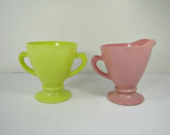 Vintage PASTEL CREAM & SUGAR Bowl Pitcher Hazel Atlas Ovide Platonite Moderntone