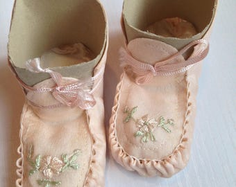 Darling Vintage Baby Booties