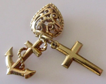 9ct Gold Faith Hope and Charity Charm or Pendant.