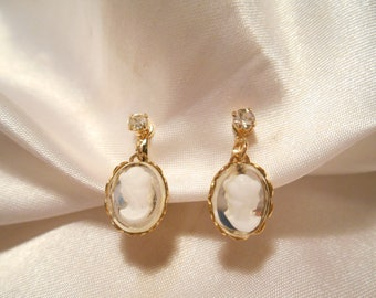Vintage Dangle Simulated White Cameo On Mirrored Backs Clip Style Earrings
