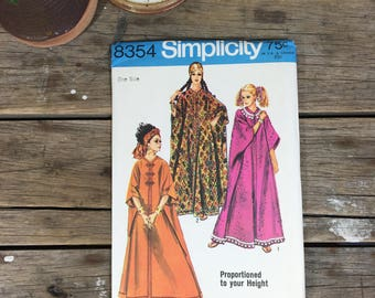 Caftan dress pattern, mumu style robe, tunic, uncut, Simplicity 8354, one size
