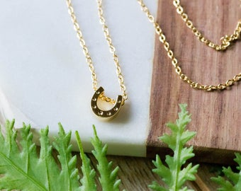 Lucky horseshoe dainty chain necklace | Gold plated layering | Gifts for her under 20 | Lucky charm necklace | Mother's Day present |