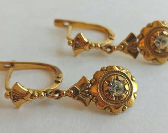 """Exquisite Dainty Victorian Inspired Vintage Drop Earrings w/ Crystal Accent- Signed """"Victoria"""" Pierced Elegant Antique Look Gold Tone"""