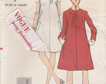 60s A-Line Dress Pattern Vogue 7067 Size 10 with Label