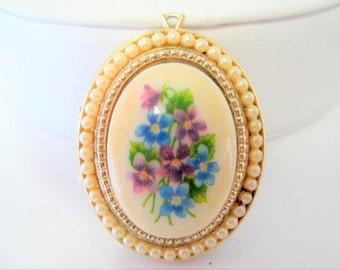 Porcelain Avon Locket - Vintage Pearl Edge  - Original 50's Photo Locket