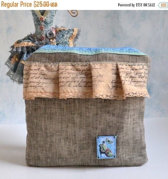 ON SALE Pure Linen Zippered Pouch - Women's Linen Pouch - French Inspired Cosmetic Pouch