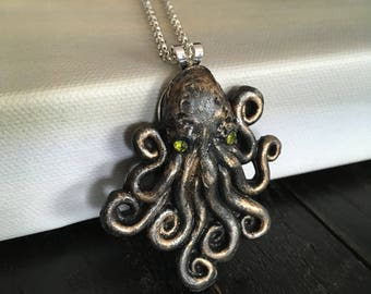 Octopus Jewelry, Pendant, Resin jewelry, Octopus Necklace, Ocean Jewelry, Fantasy Necklace