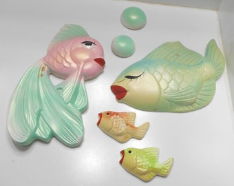 Vintage 1960s Chalkware Fish Wall Hangings With Bubbles (15)