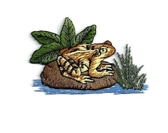 Frog - Lilypad - Amphibian - Nature - Pond - Embroidered Iron On Applique Patch