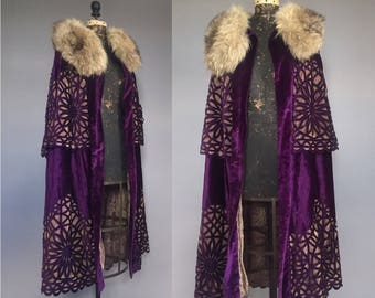 RESERVED * Incredible 1910s 1920s Cutout Purple Silk Velvet Cape with Gold Lamé Lining and Fur Collar - S M L XL OS