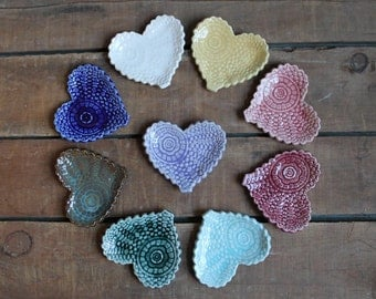 Set of 5 Antique Lace Hearts, Valentines Day Present, Tea Bag Holder, Trinket Dish, Bridal Shower, Wedding Gift, party favor, IN STOCK