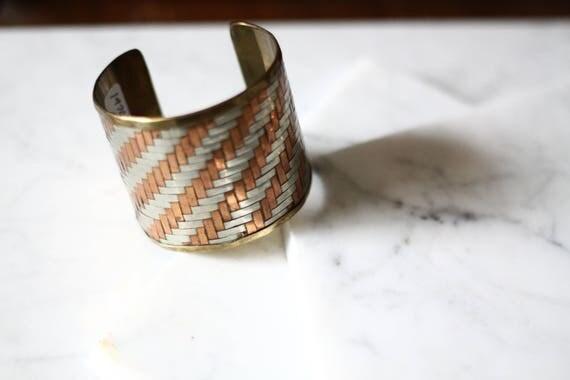 1970s woven metal cuff // cuff bracelet // vintage jewellery