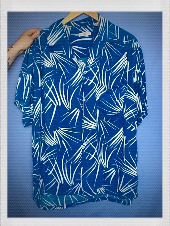 """Vintage Men's Hawaiian Shirt Size Extra Large 23"""" width 29"""" length"""