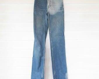 """VTG 'Calvin Klein' - Denim Bluejeans - 1970s orange-stitched - Brass Snap/Zipper - 26"""" Waist - VTG - Great Style - Cut 612 Straightleg - 8"""