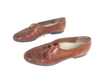 Women's oxfords, brown oxfords, leather flats, women's flats, leather Oxford,  women shoes, woven shoes, size 9 95, trotters, woven shoes