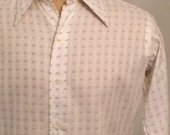Vintage MENS Geoffrey Beene brown & white long sleeve textured knit shirt