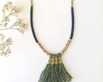 "Necklace ""picabia"" in cotton cordon navy and pompom in green lurex"