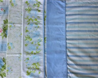 Lot of 4 Mismatched Pillowcases - White Blue Green Rose Floral Daisy Print - Vintage Retro Flower - Standard Size