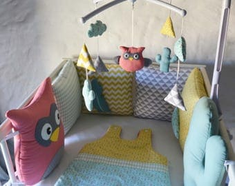 Mobile musical baby 'TipiDibou' - OWL / owl, clouds, cacti and pee graphic grey, mint green, yellow and coral
