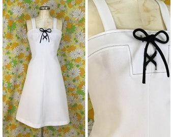 70s Vintage White Lace Up Dress Medium Large