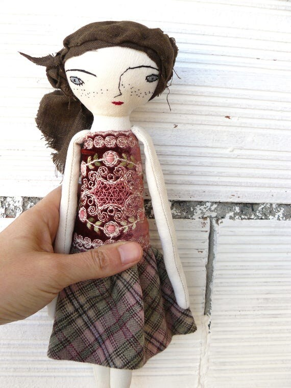 Art doll in cotton and linen. Silk hair. 28 cm.