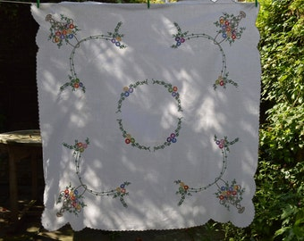 Vintage 1940s Irish linen hand embroidered tablecloth