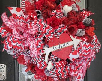 Valentine's Day Wreath, Red Wreath, Front door wreath, Deco Mesh Wreath, Wreath for door, Door Wreath, Door hanger