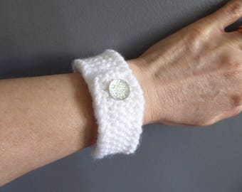Hand Crafted Jewelry, White Bracelet, Hand Knitted Gifts, Wide Cuff Bracelet, Unique Yarn Bracelet, Button Bracelet,Homemade Gifts,Wristband