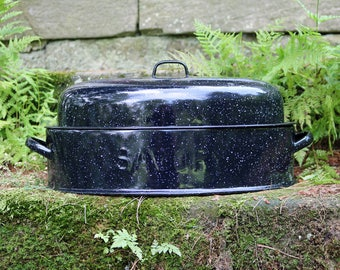 "Savory Medium (15"" x 10"") Oval Double-Walled Graniteware/Enamelware Roaster/Baking Pan & Lid ~ 1930s ~ Dutch Oven ~ Turkey Roaster"