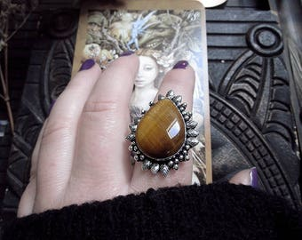 Tigers Eye Ring, Silver Plated Ring, Floral Ring, Witch Ring, Witchy Jewelry, Protection Stone, Yellow Brown Stone, US Size 9