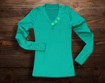 Green long sleeve top | waffle weave | floral embellished | cuff feature buttons  | Sale