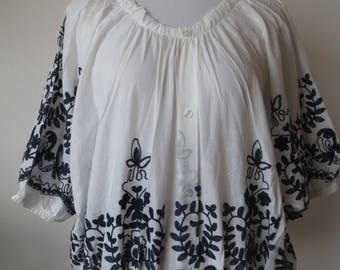 Embroidered Floral Poncho Loose Style