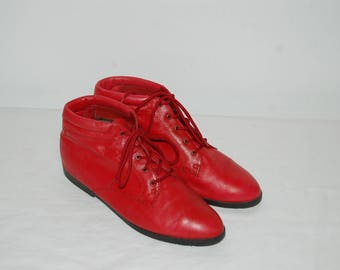 Women Size 8 1/2 Vintage Red Leather Ankle Boots Lace Up