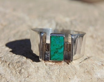 Oswaldo Guayasamin ~ Vintage Silver and Green Rectangular Stone  Modernist Ring - Size 7.75