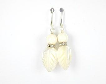 Pearl earrings, earrings, white earrings, mother of pearl jewelry, swarovski pearl earrings, dangle earrings