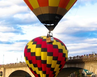 "Wall Art ""Balloon Touchdown No2"", Hot air balloon, balloon festival, Lake Havasu, London Bridge"