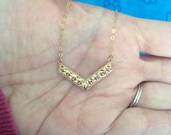 10k Yellow Gold Chevron Necklace -- 18 inches