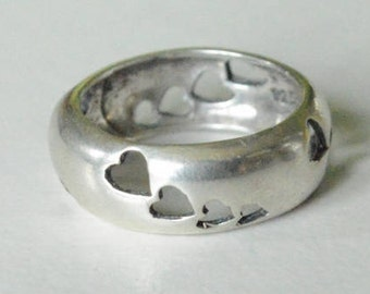 Vintage Sterling Silver Dome Cut-Out Hearts Band Size 7