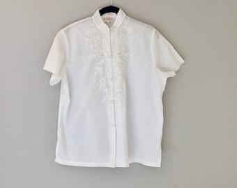 White Embroidered Blouse Short Sleeve Cheongsam Top Medium
