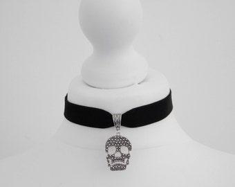 Gothic Silver Skull Black Velvet Choker Necklace