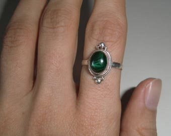 Sterling Ring with Malachite true vintage ethnic 925 sterling silver