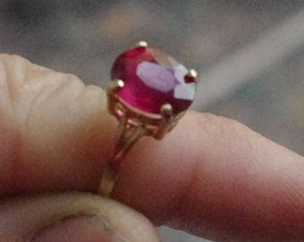 Solid 10kt Yellow Gold and Natural Ruby Ring