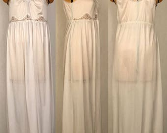 Vintage 80s Long White Nightgown / High Waist / Spaghetti Straps / Full Sweeping Skirt / Union Made in the USA / Women's Size Medium