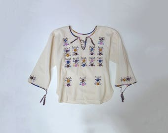 Vintage 70s Summer Cotton Embroidered Tunic // Lace up Shirt // Size Medium