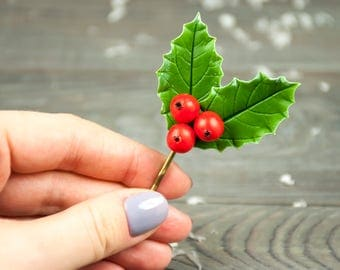 Christmas hair pins Holly berries bobby pins Holly hair clips Christmas wedding accessory Green red hair clip Christmas women Winter wedding
