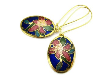 "CLOISONNÉ FLOWER Earrings, 18K Gold Kidney Wires, 1980 VINTAGE, Sapphire Blue Enamel ""Iris"", Gardener, 3D Spring Jewelry, Gift Under 25"